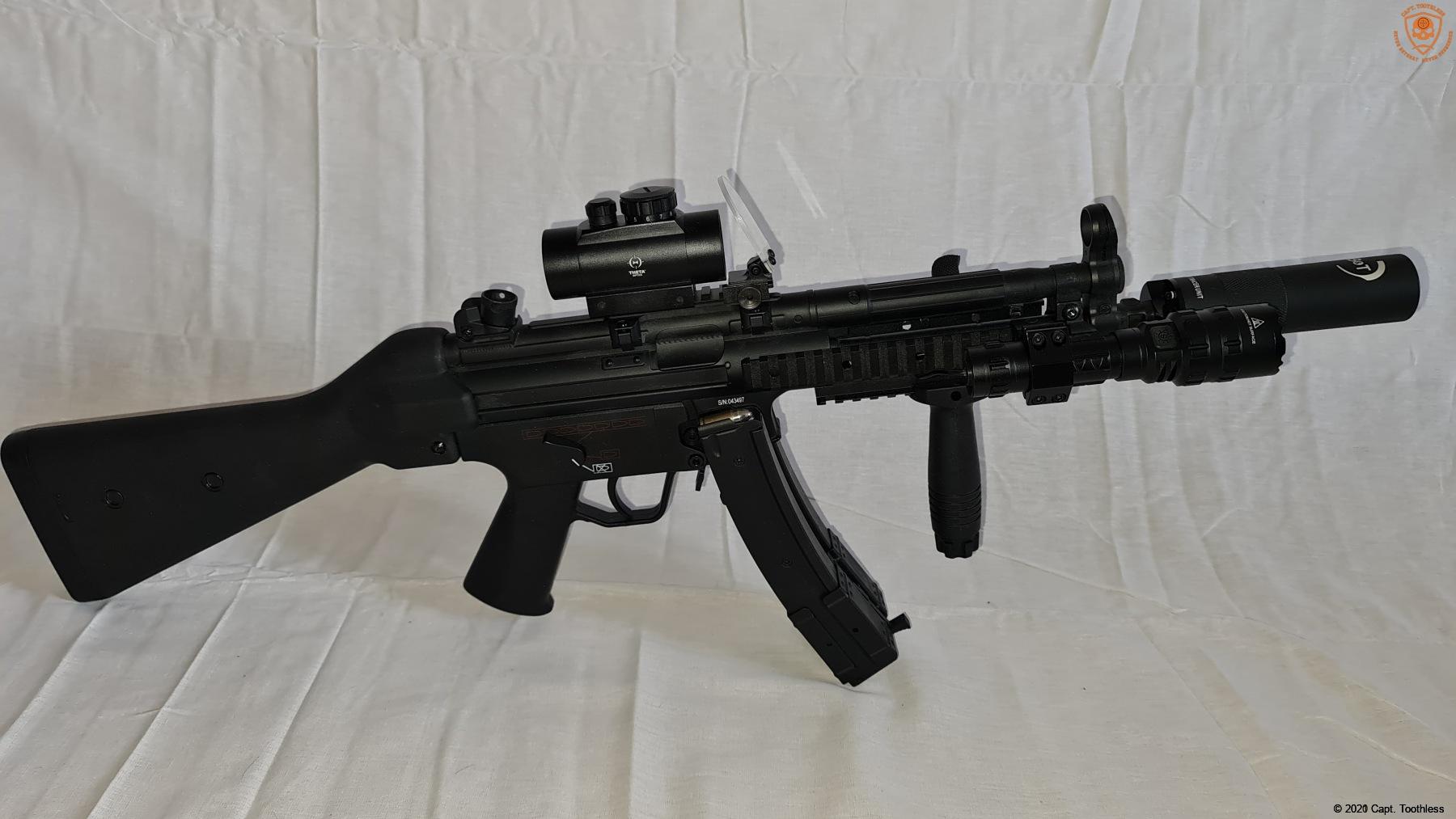 CM.041B BLUE LIMITED EDITION MP5 AEG